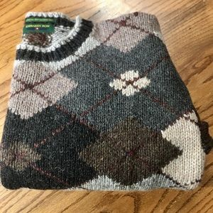EMBASSY ROW  SPECIAL EDITION HAND KNITTED SWEATER